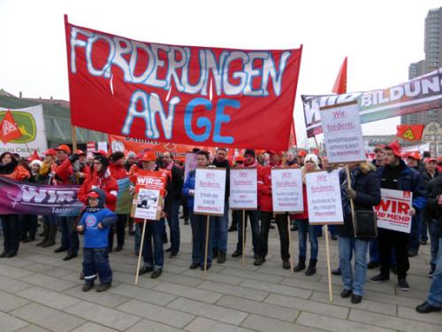 ALSTOM-KollegInnen auf IGM-Demo in Mannheim, 19.02.2015, Foto: Avanti²