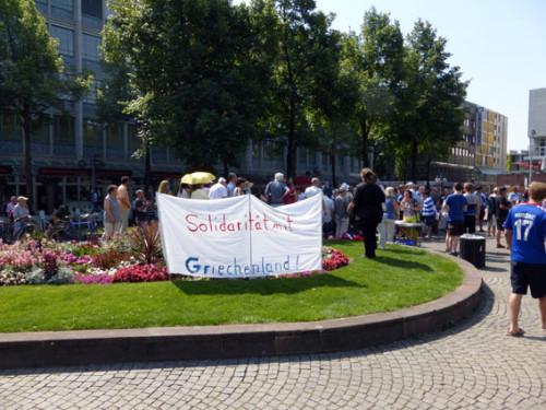 Solidaritätsaktion für Griechenland am 4. Juli 2015 auf dem Paradeplatz in Mannheim, Foto: Avanti²