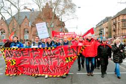 Demo gegen Abbaupläne von GE am 13.01.16 in Mannheim, Gemeinsam-kämpfen, Foto: helmut-roos@web.de