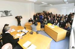 16.02.2016 Arbeitsgerichtstermin XXXL, Foto: helmut-roos@web.de