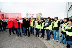 Solidaritätsaktion mit XXXL-KollegInnen am 04. Februar 2016, Foto: helmut-roos@web.de