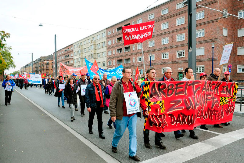 Protest der KollegInnen von GE am 17. Oktober 2016 in Mannheim. GE-Werk vor der Zerschlagung. Foto: helmut-ross@web.de