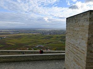 Blick auf die Mühen der Ebene, Hambacher Schloss, 06.11.2016. Foto: Avanti²