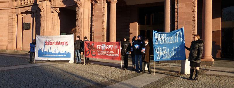 Aktion von GE-KollegInnen und UnterstützerInnen beim Neujahrsempfang der Stadt Mannheim am 06. Januar 2017. Foto: Avanti²