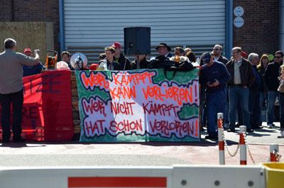 Torblockade bei Alstom Mannheim, 17. April 2014. Foto: IGM VL Alstom