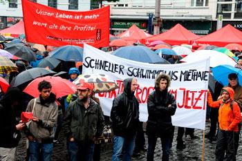 Kundgebung auf dem Marktplatz. Foto: helmut-roos@web.de