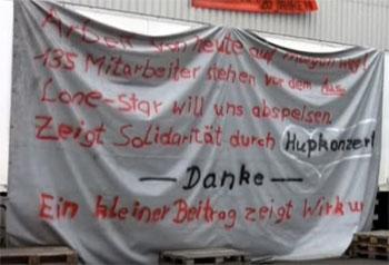 """Standbild aus dem Film """"Strike Bike - Eine Belegschaft wird rebellisch""""."""