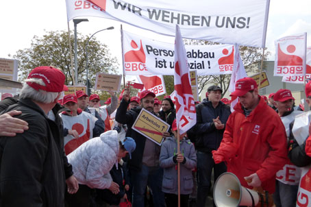 Protestaktion gegen Personalabbau bei Freudenberg in Weinheim, 27.04.2017. Foto: Avanti².