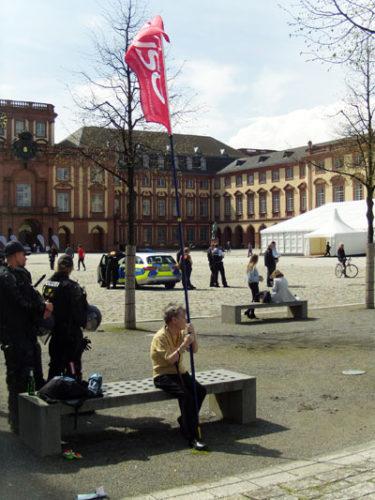 Vor der Demo gegen den Krieg am 14. April 2018 in Mannheim (Foto: Paula.)