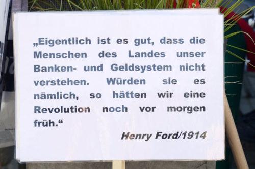 Plakat beim Festumzug (Foto: Helmut-roos@web.de)
