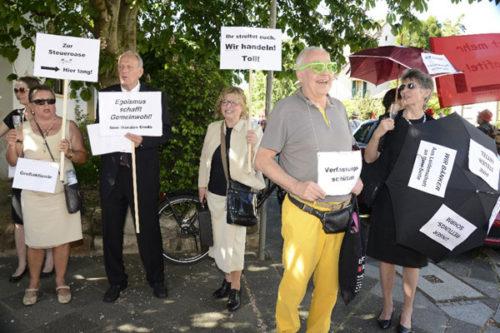Beobachtung durch Verfassungsschutz und Freundeskreis Kapitalismus (Foto: Helmut-roos@web.de)