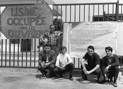 Streikposten vor besetzter Fabrik in Südfrankreich - Juni 1968 (Foto: Georges Garrigues: Wikipedia CC BY-SA 3.0.)