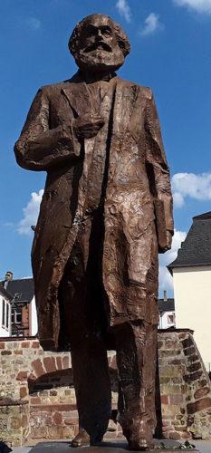 Das von der Volksrepublik China gespendete Marx-Denkmal in Trier (Foto: Avanti²)