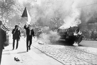 Prag 1968 – Protest gegen Stalinismus. Foto: Wikipedia, gemeinfrei (Foto: Wikipedia, gemeinfrei)