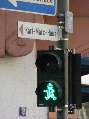 Karl Marx als Ampelmännchen in Trier (Foto-Avanti²)