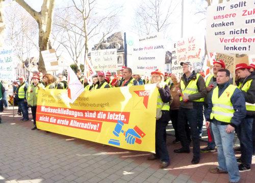 Protest von Südzücker-KollegInnen vor der Konzernzentrale in Mannheim, 25. Februar 2019 (Foto: Avanti²)