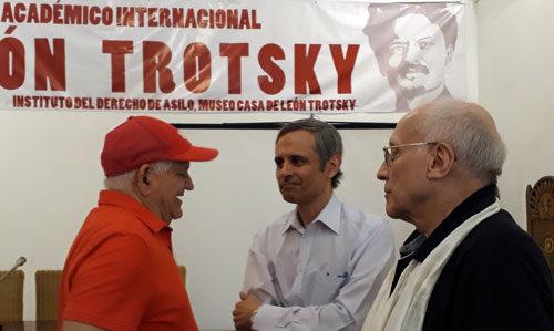 Drei Teilnehmer der Konferenz in Havanna, rechts Helmut Dahmer (Foto: Privat)