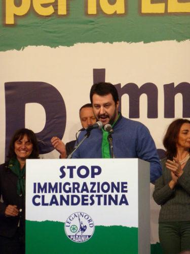 Veranstaltung der Lega Nord, 2013 in Turin (Fabio Visconti auf Wikipedia Commons, CC BY-SA 3.0 Manifestazione Lega Nord Torino 2013)