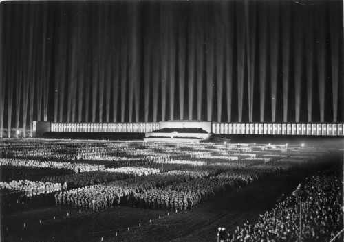 Nazi-Parteitag 1936 in Nürnberg (Bild: Bundesarchiv, Bild 183-1982-1130-502/CC-BY-SA 3.0)