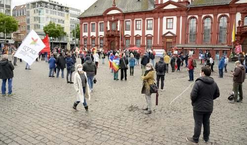 Kundgebung am 1. Mai auf dem Marktplatz in Mannheim (Foto: helmut-roos@web.de)