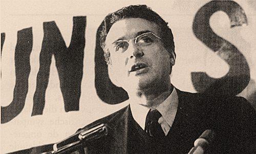Ernest Mandel wahrscheinlich bei einer Veranstaltung Ende der 60er Jahre (Foto: www.ernestmandel.org)