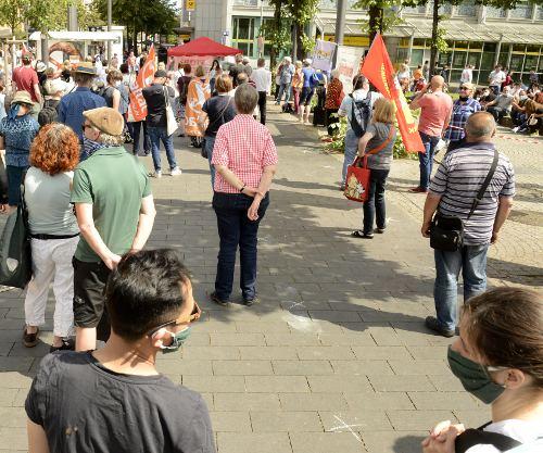 #unteilbar-Kundgebung vor dem Kaufhof am Paradeplatz, 13.Juni 2020 (Foto: helmut-roos@web.de)