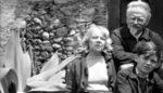 Leo Trotzki, seine Frau Natalja Sedowa und sein Enkel Esteban Volkow in Mexico, 1939 (Foto: Gemeinfrei)