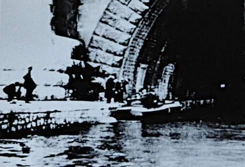 Bei dieser Seinebrücke wurden Leichenteile des ermordeten Rudolf Klement gefunden (Foto: Privatarchiv)
