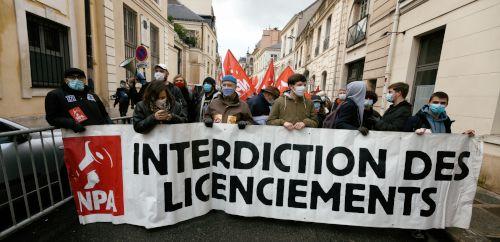 NPA-Transparent in Paris fordert Verbot von Entlassungen, 23. Januar 2021 (Foto: Copyright Photothèque Rouge /Martin Noda / Hans Lucas)