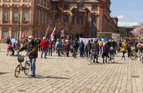 Abschlusskundgebung des Mannheimer Ostermarschs, 3. April 2020 (Foto: Avanti²)